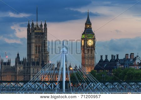 Hungerford Bridge In Front Of Big Ben