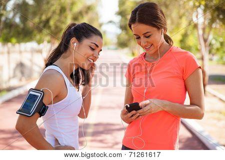 Runners Sharing Music