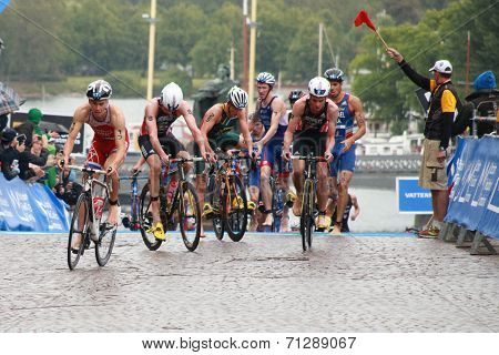 Brownlee Brothers And Others, Cycle, Transition
