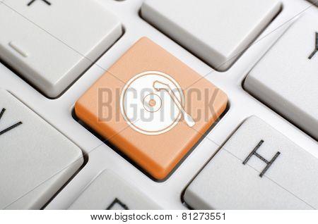 Gramophone record key on keyboard