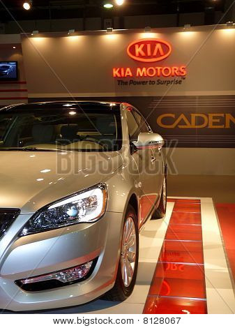 Kia Motors Cadenza Vehicle