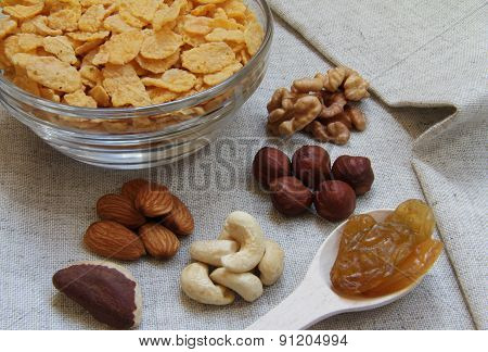 Natural Corn Flakes With Nuts