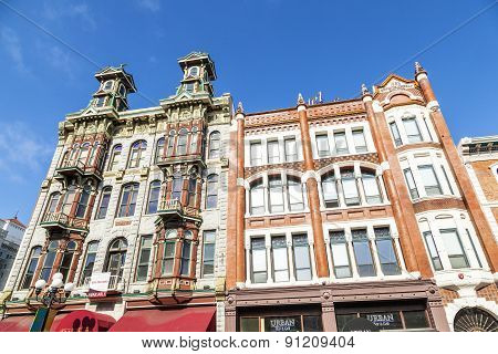 facade of historic houses in the gaslamp quarter
