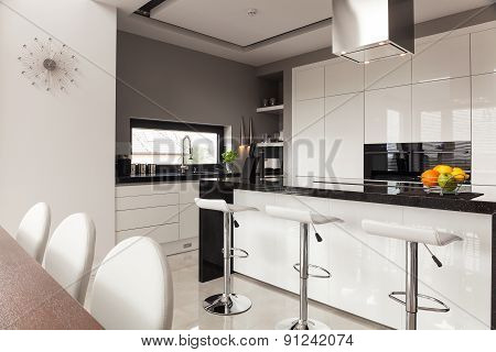 Contemporary Decor Of Kitchen