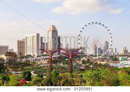 SINGAPORE - January 17, 2013. Panorama View - Big Wheel, Hotel's Buildings, Gandens At The Bay.