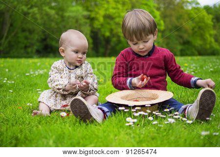 Kids Eating Strawberries