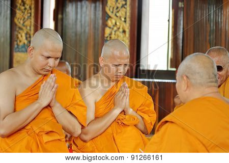 The Ordination Ceremony That Change The Thai Young Men To Be The New Monks