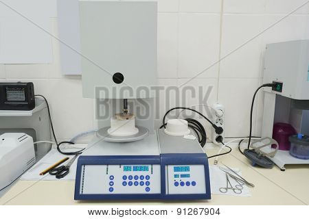 Denture equipment. Porcelain Pressing Furnace