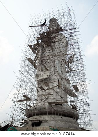 Guan yin in under construction