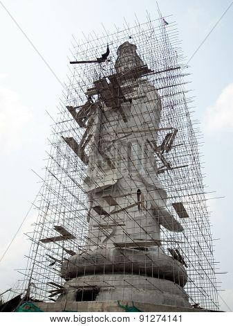 Guan yin in under construction