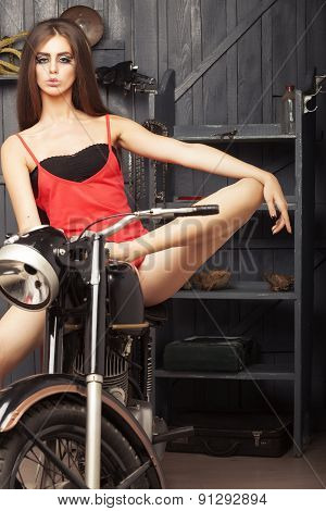 Beautiful Sexual Young Girl Om Motorbike