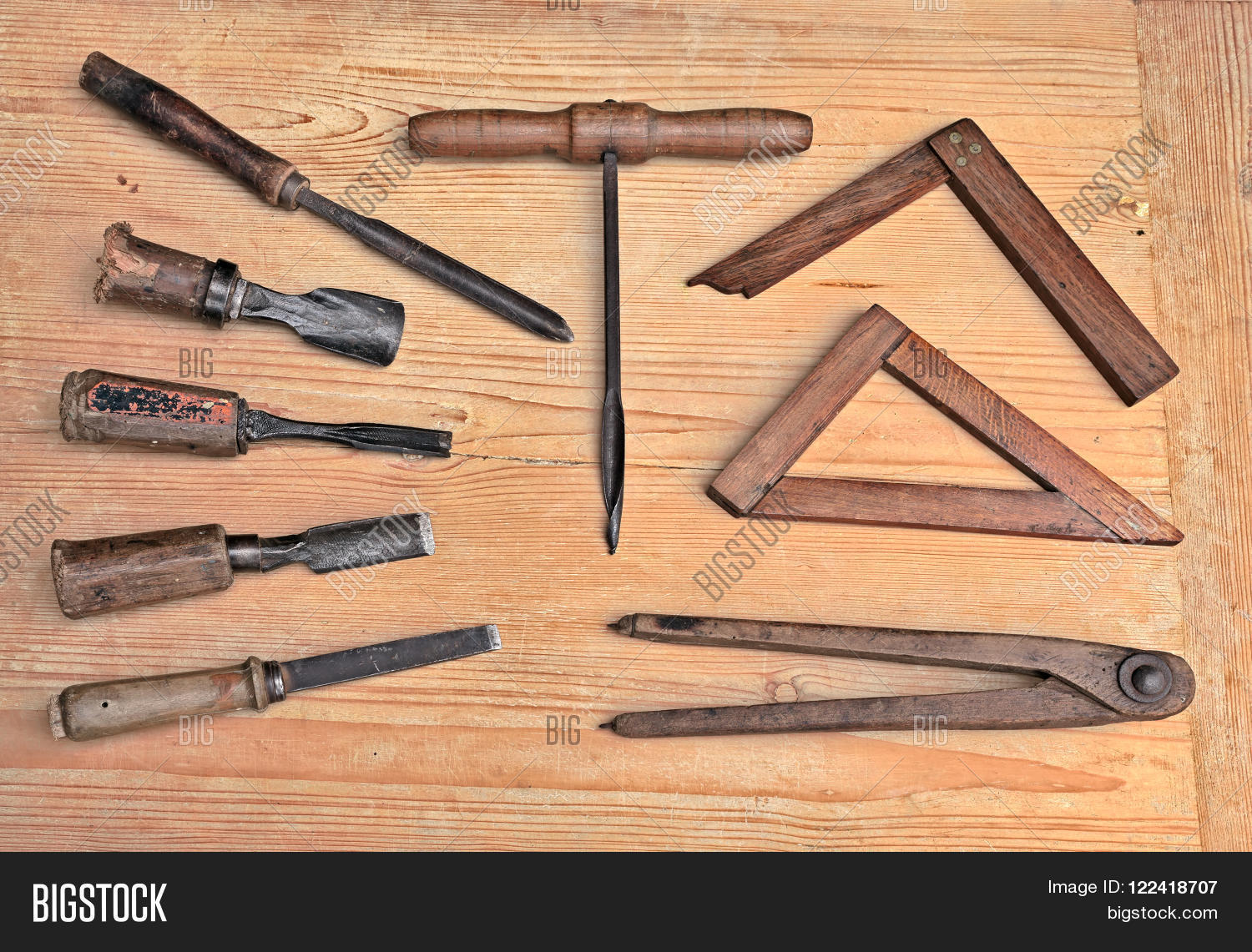 Vintage woodworking hand tools image photo bigstock for Travail du bois flotte