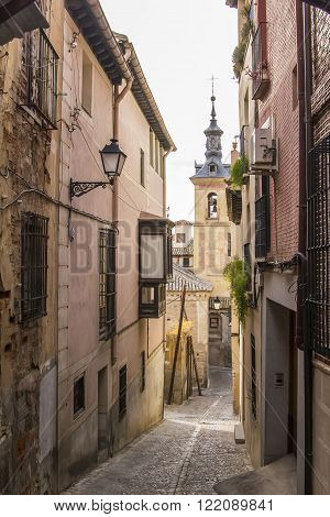 background cityscape narrow streets of the old town of Toledo, Kastiliya- La Mancha, Spain