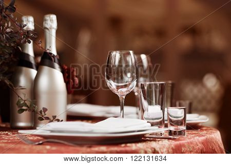 Fine restaurant dinner table place setting for wedding