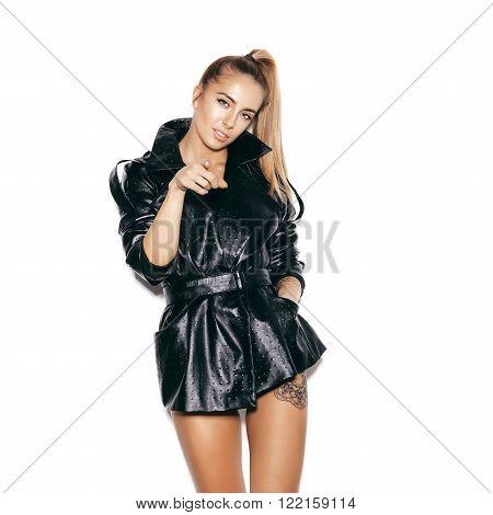 Fashion Beauty Swag Girl. Gorgeous Woman Portrait