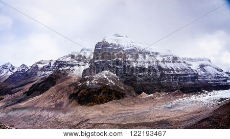 View of Mount Aberdeen and Fairview Mountain from the hiking trail to Plain of Six Glaciers in Banff National Park in the Canadian Rocky Mountains