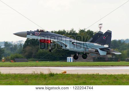 Military Fighter Su-27
