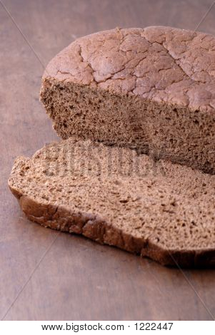 Food - Pumpernickel Bread