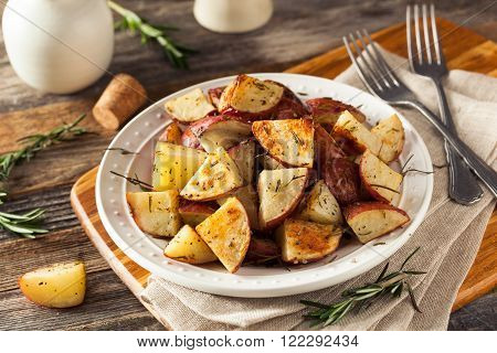 Homemade Roasted Herb Red Potatoes with Salt and Pepper