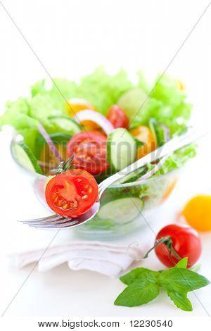 salada com tomate e pepino