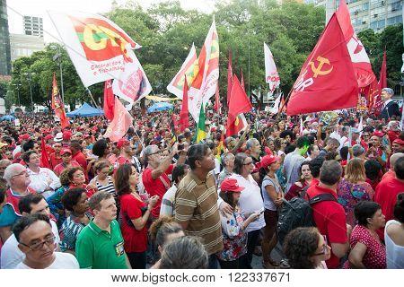 Rio de Janeiro Brasil - March 18 2016: political demonstration in favor of the government of President Dilma Rousseff and former President Luis Inacio Lula da Silva in the city of Rio de Janeiro