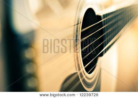 detalle de guitarra clásica con profundidad de campo