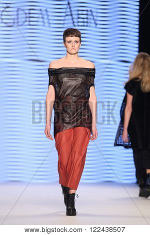 Cigdem Akin Catwalk In Mercedes-benz Fashion Week Istanbul