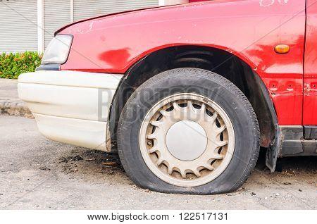 Abandon Car, Old Broken Rusty Red Car
