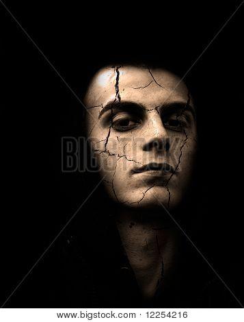 Cracked Skin Man