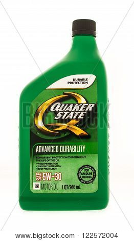 Winneconne WI - 19 August 2015: Quart of Quaker state motor oil