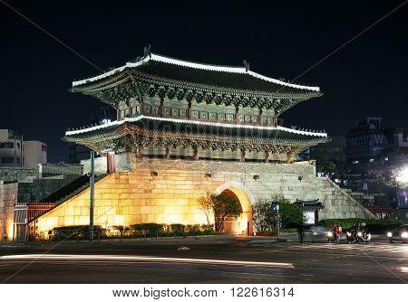 dongdaemun gate landmark in seoul south korea at night