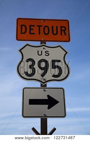 Sign for a detour on US route 295
