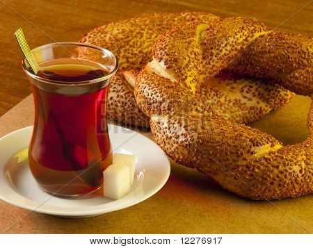 Simit and tea