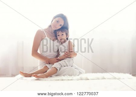 Mother And Her Child, Embracing