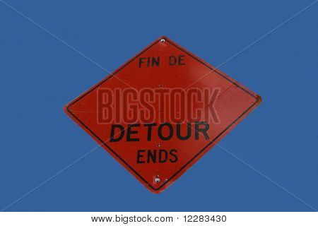 bilingual detour ends sign in French and English