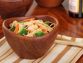 image of lo mein  - Chicken lo mein with carrots and broccoli in a bowl - JPG