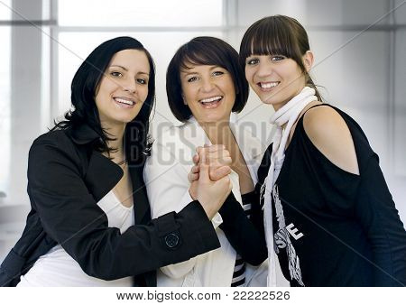 três businessladies de sucesso
