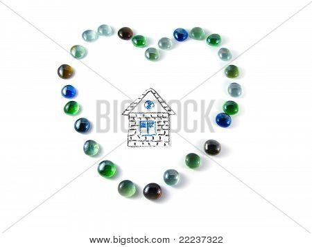 Stein-Mosaik In der Form eines Herzens mit Haus