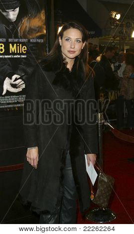 LOS ANGELES - NOV 6: Claire Forlani at the premiere of '8 Mile' at the Mann Village Theater on November 6, 2002 in Los Angeles, California
