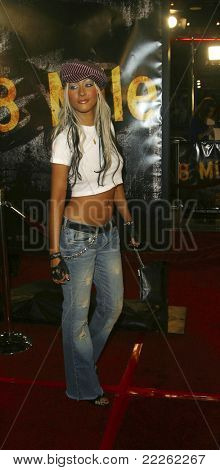 """Los Angeles, nov 6: Christina Aguilera auf der Premiere von """"8 Mile"""" an den Mann Village Theater auf n"""