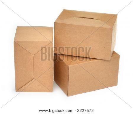 Três caixas de papelão, #2