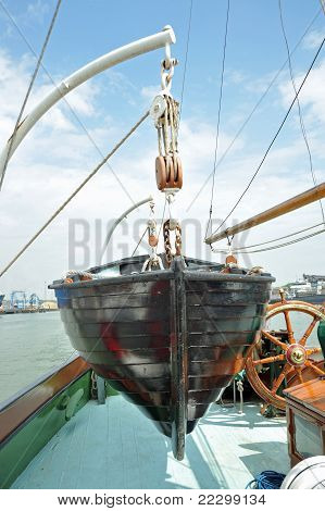 lifeboat and davits