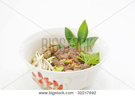 Lek Nam Tok, Rindfleisch-Nudel-Thai-Küche