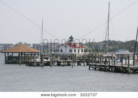 Roanoke Island Lighthouse