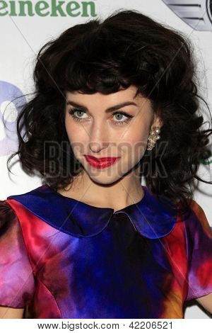 LOS ANGELES - 10 februari: Kimbra arriveert op de Warner Music Group post Grammy party in het Chateau Mar