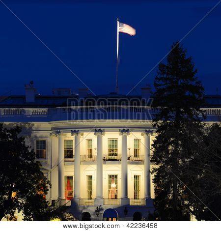 The White House at night - Washington DC, United States