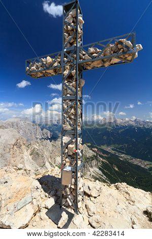 Roda Di Vael mount Cross