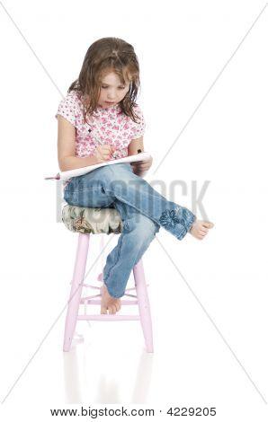 Desenho de menina pequena