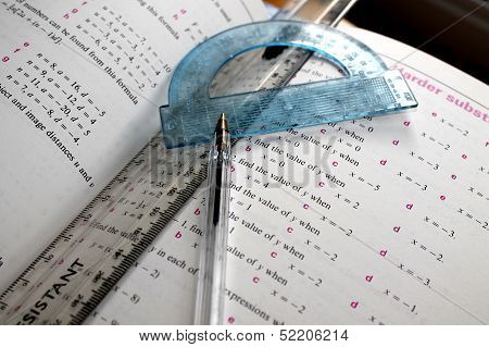 Mathematical Problem - Ruler, Protractor and Pen