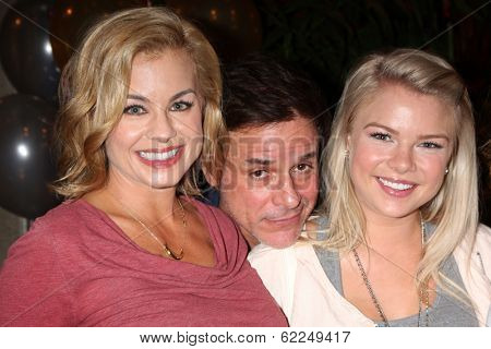 LOS ANGELES - MAR 25:  Jessica Collins, Kelli Goss, Hunter King, Max Erlich at the Young and Restless 41st Anniversary Cake at CBS Television City on March 25, 2014 in Los Angeles, CA